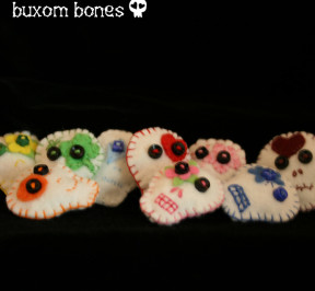 Sugar_Skulls_Brooch_01